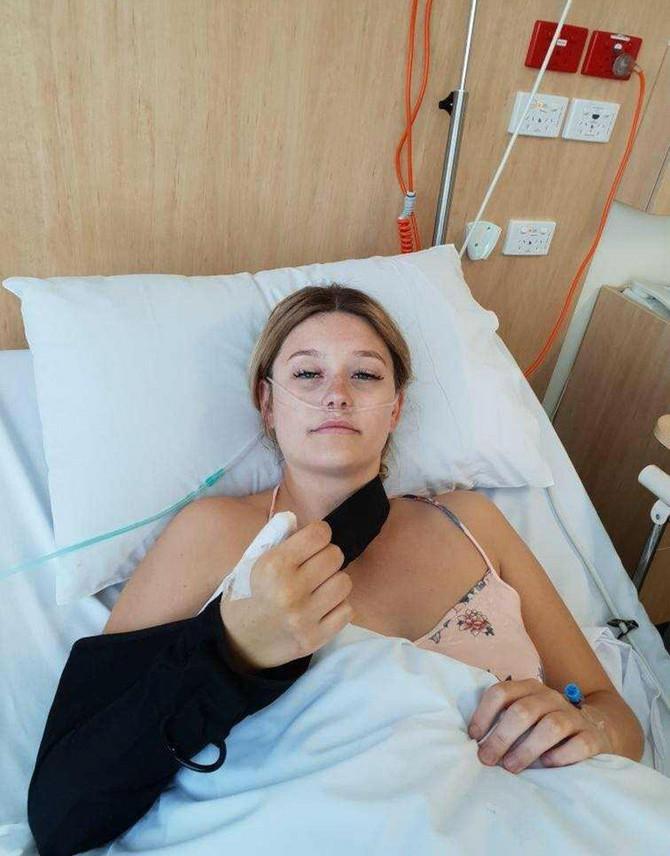 Kortni je ostala bez palca zbog toga što je stalno grizla nokte
