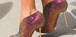 Kto włożył takie buty?