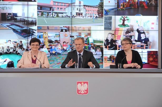Konferencja Donalda Tuska z udziałem Krystyny Szumilas i Doroty Zawadzkiej