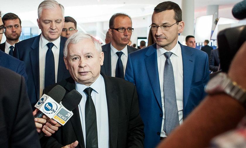 Morawiecki planował podwyżki dla ministrów. Kaczyński utrącił projekt