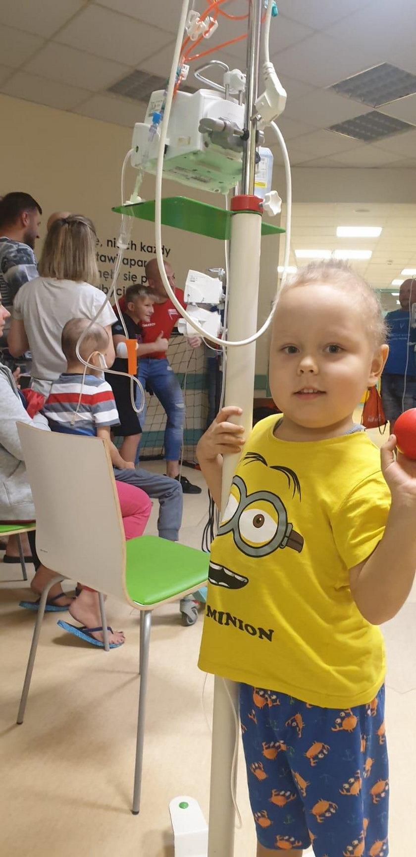 Szymon walczy z białaczką i czasem