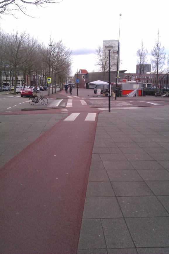 Nivelisan prelaz u Amsterdamu kakav žele naši biciklisti