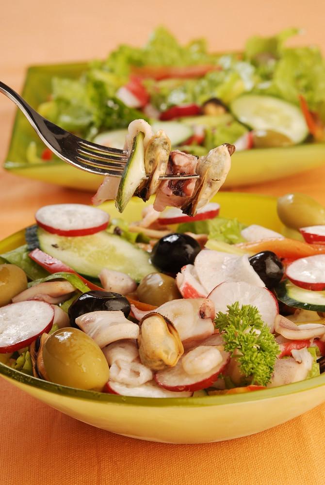 Salata od morskih plodova