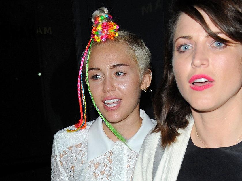 Dziwna fryzura Miley Cyrus