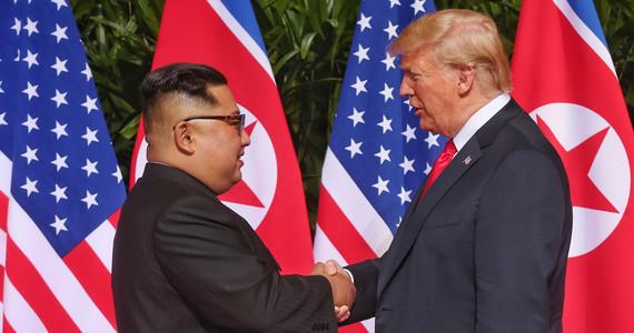 Donald Trump uprzejmy wobec Kim Dzong Una. Życzy mu powrotu ...