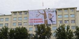 Aktywiści Greenpeace protestowali w Warszawie. Weszli na gmach MŚ!