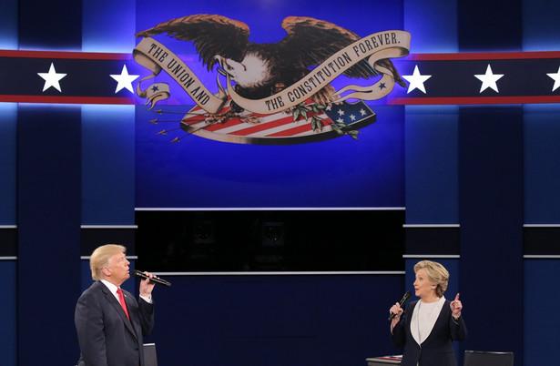 W analogicznym badaniu sondażowni McClatchy-Marist z września przewaga Clinton (48 proc.) nad Trumpem (41 proc.) wynosiła 7 proc.