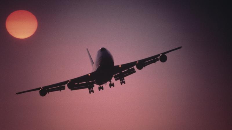c5ac68277a78 Tragédia: egy utas karjaiban halt meg egy csecsemő a repülőgépen ...