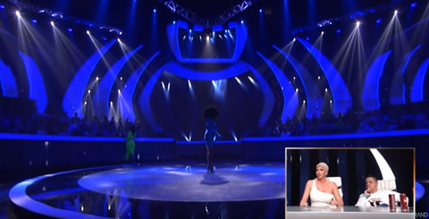 Ona je na sceni Zvezda Granda učinila nešto što NIKO DOSAD NIJE: Žiri u šoku!