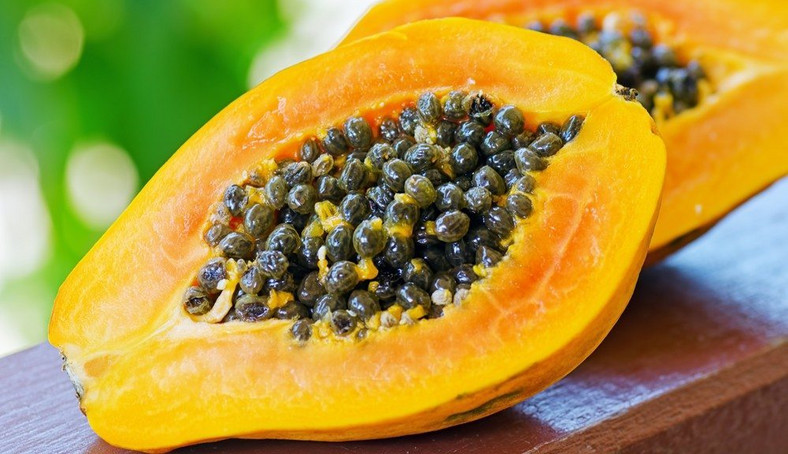Pawpaw contains several vitamins and antioxidants that help to maintain the health of a diabetic patient [ece-auto-gen]