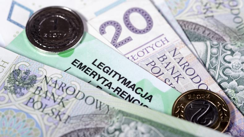 Niskie emerytury wynikają najczęściej z małej liczby składek