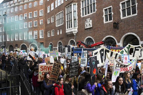 Protest protiv Nedelje mode u Londonu