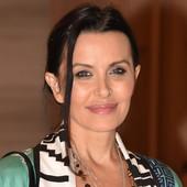 NIKAD NE DOLAZI NA REVIJE SVOJE MAJKE Elena Karić se pojavila u Beogradu, svi su gledali u ono što je nosila, a evo kako se ponašala