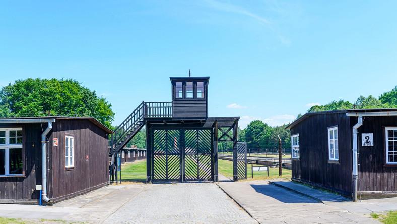 Brama byłego niemieckiego obozu koncentracyjnego Stutthof
