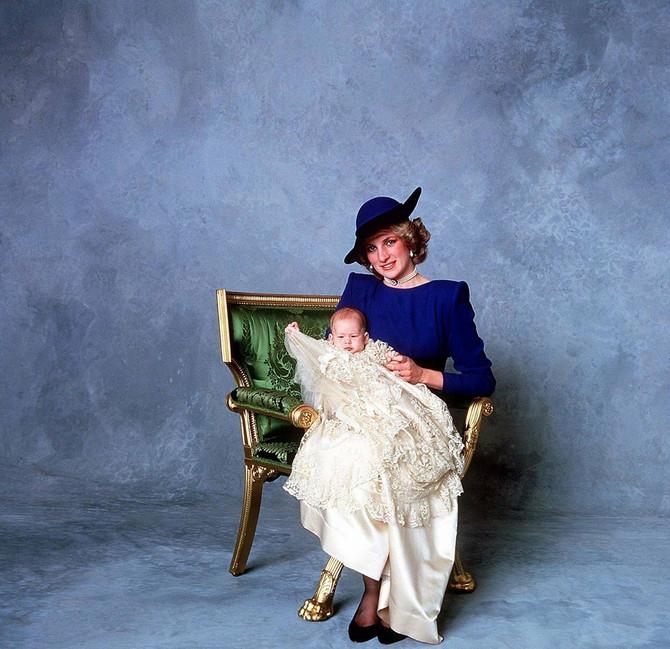 Hari sa majkom Dajanom