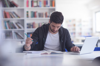 Zmiany dla studentów: Kredyt w wysokości tysiąca złotych jeszcze przed rozpoczęciem nauki