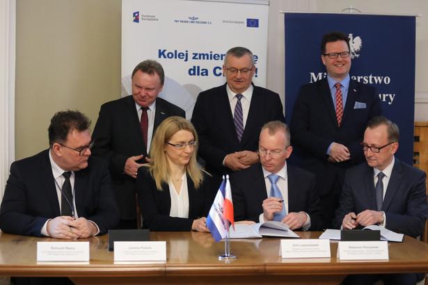Podpisanie przez PKP PLK umowy na zabudowę systemu łączności cyfrowej dla kolejnictwa GSM-R.