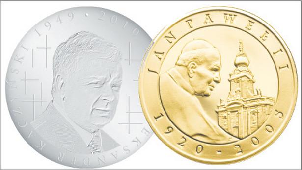 Numizmat z wizerunkiem Lecha Kaczyńskiego (Polska Mennica Narodowa) i moneta z podobizną Jana Pawła II (Mennica Polska) fot Materiały prasowe