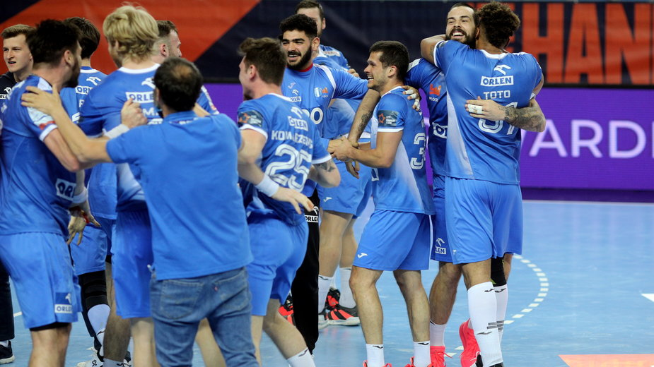 Radość zawodników drużyny Orlen Wisła Płock po wygraniu rewanżowego meczu ćwierćfinałowego Ligi Europejskiej z zespołem GOG Handbold Gudme 31:26