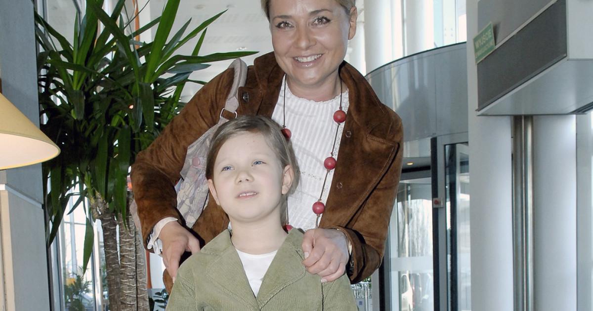 """Julia Królikowska - jak dziś wygląda młoda gwiazda """"Klanu ..."""