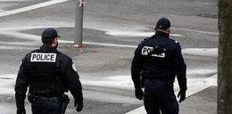 W Paryżu policjant zastrzelił mężczyznę, który groził mu nożem. Ruszyło śledztwo...