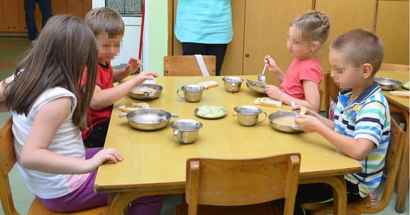 Pravilnik o ishrani dece u vrtićima, donet u maju, veoma je precizan