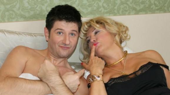 Suzana Mančić i Miljan Prljeta u krevetu