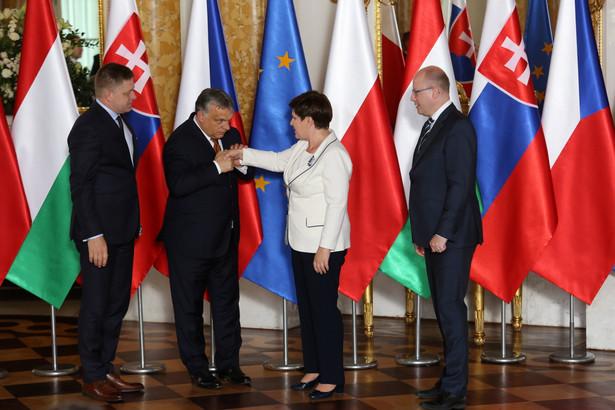 Z kolei premier Węgier Viktor Orban mówił m.in., że kraje V4 i Beneluksu mają inne tło kulturowe, a co za tym idzie różnią się politykami migracyjnymi