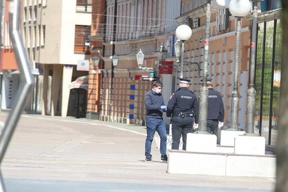 Mnogi su kršili policijski čas.