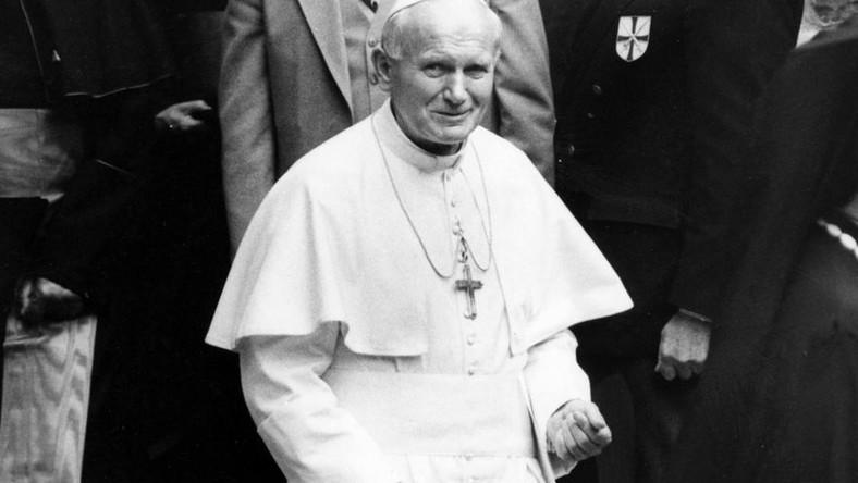 Stan wojenny w Polsce w 1981 roku. Papież Jan Paweł II chciał przyjechać do Polski
