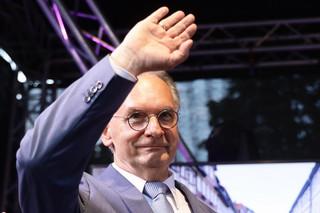 Saksonia-Anhalt wybiera prawą stronę