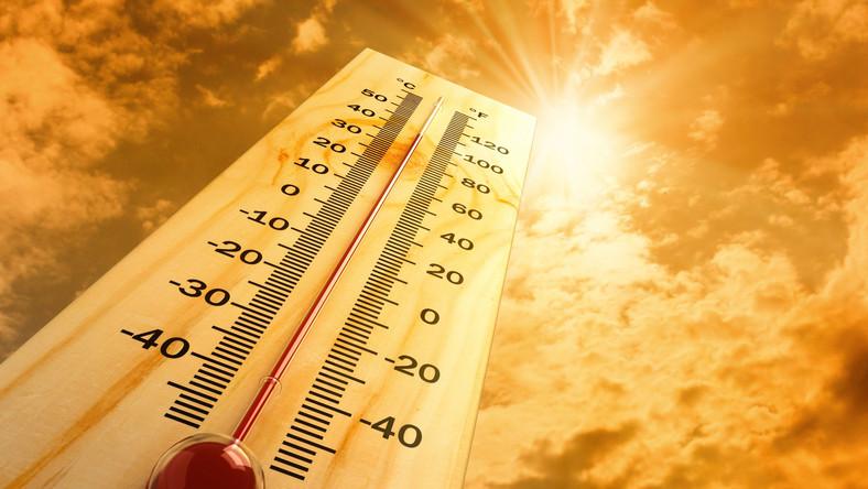 słońce upał termometr lato