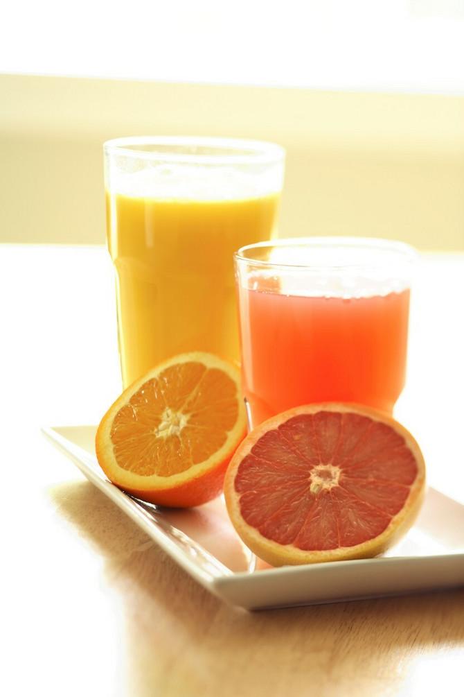 Zašto baš ovaj sok za užinu?  Grejpfrut ubrzava metabolizam,  jabuke su bogate vitaminima C, A, E, kompleksom vitamina B pa štite od vurusnih infekcija i prehlada, cvekla topi masne naslage
