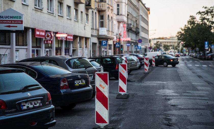Na ulicy Ratajczaka będą odholowywać auta z powodu powiększania strefy 30