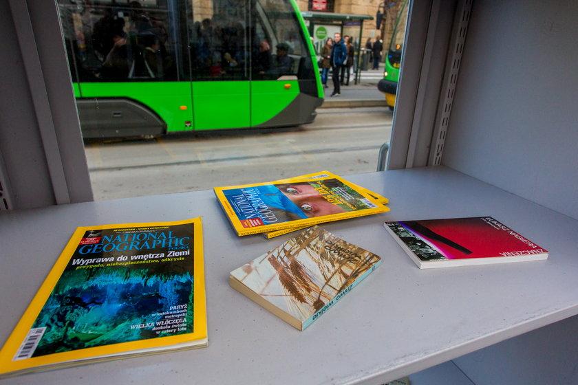 Odnowili Miejski Regał Książkowy na Fredry