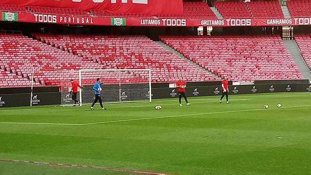 Zagrevanje golmana na treningu pred meč sa Portugalcima