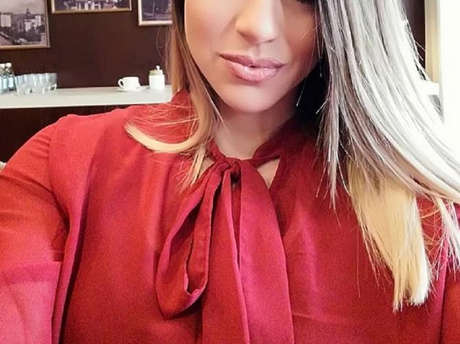 Marina je prelepa kik bokserka: U teretani je se muškarci plaše, ali je na Instagramu BOMBARDUJU PORUKAMA