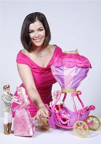 Kasia Cichopek reklamuje Barbie
