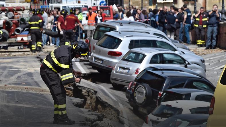 ITALY ACCIDENTS  (Chasm in Florence)