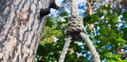 Powiesił się na drzewie. Na pomoc ruszyli strażnicy miejscy