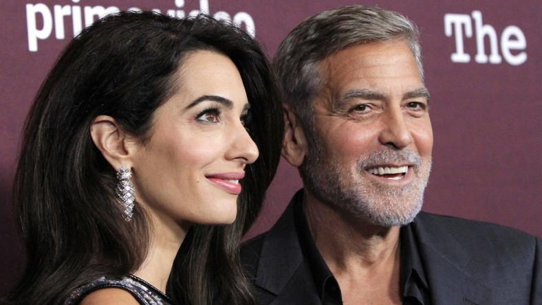 """Amal i George Clooneyowie na pokazie filmu """"The Tender Bar"""".."""