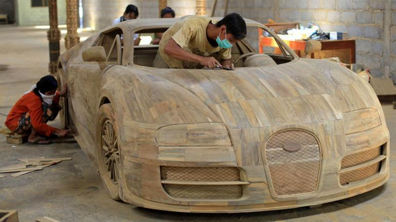 Bugatti Veyron - drewniana replika