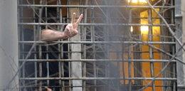 Więźniowie zaszyli sobie usta! W proteście