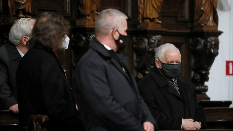 Jarosław Kaczyński podczas mszy św.