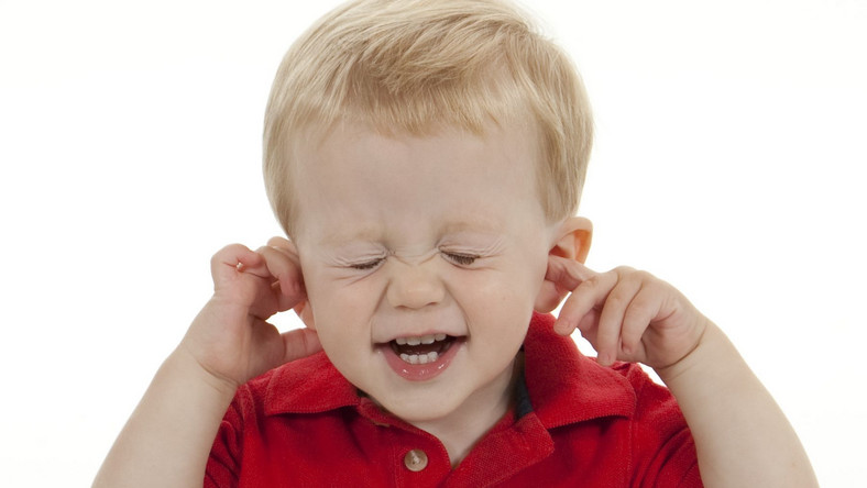 Jak rozpoznać niedosłuch u dziecka?