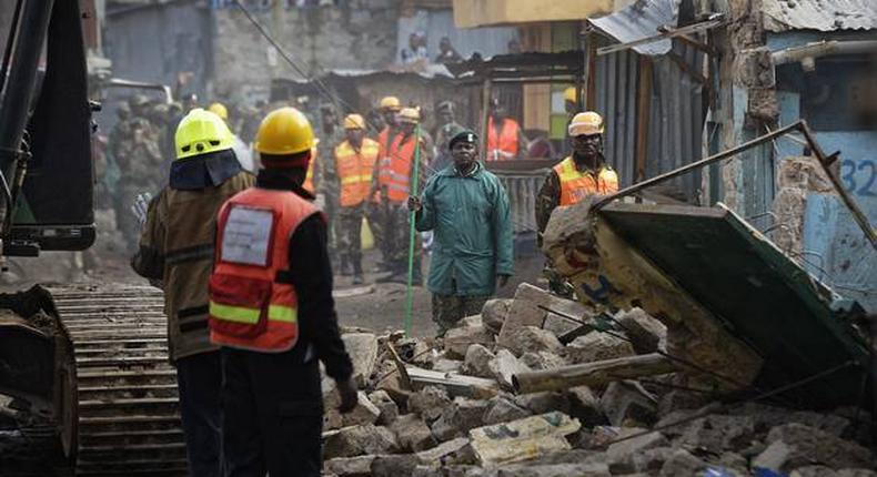 building collapses, several feared trapped