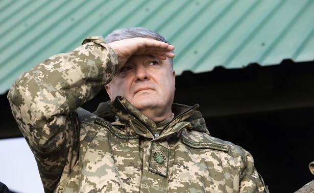 Pierwsza tura wyborów prezydenckich odbyła się na Ukrainie 31 marca. Zełenski zajął wówczas pierwsze miejsce, uzyskując 30,2 proc. głosów; na Poroszenkę zagłosowało niecałe 16 proc. uprawnionych.