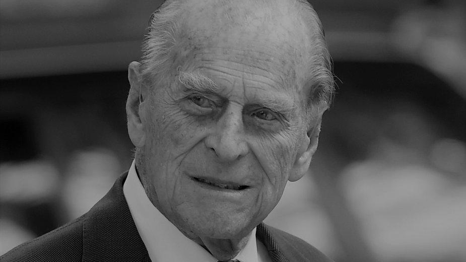 Książę Filip nie żyje. Jak wyglądało jego dzieciństwo?
