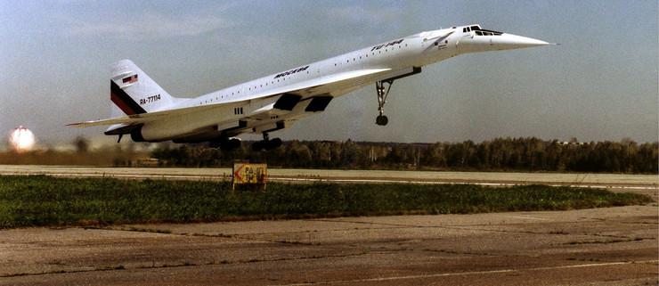 Tupoljev Tu-144