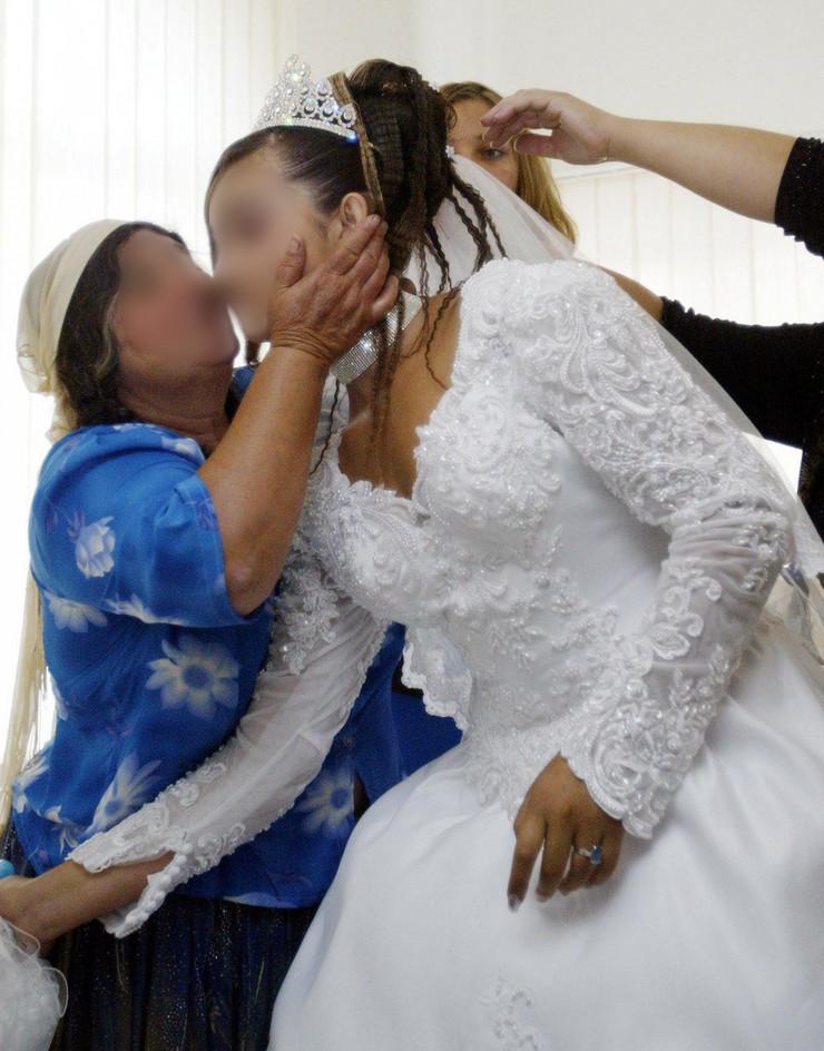 romska svadba rumunija blur profimedia-0072378561